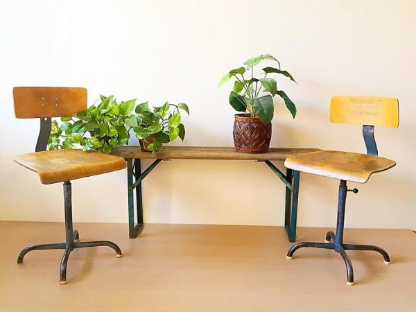 [:es]Sillas de oficio antiguas [:en]antique worker office stool chairs[:]